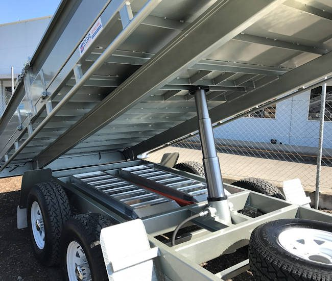 Hydraulic Lifing Mechanism for Tipping Trailer
