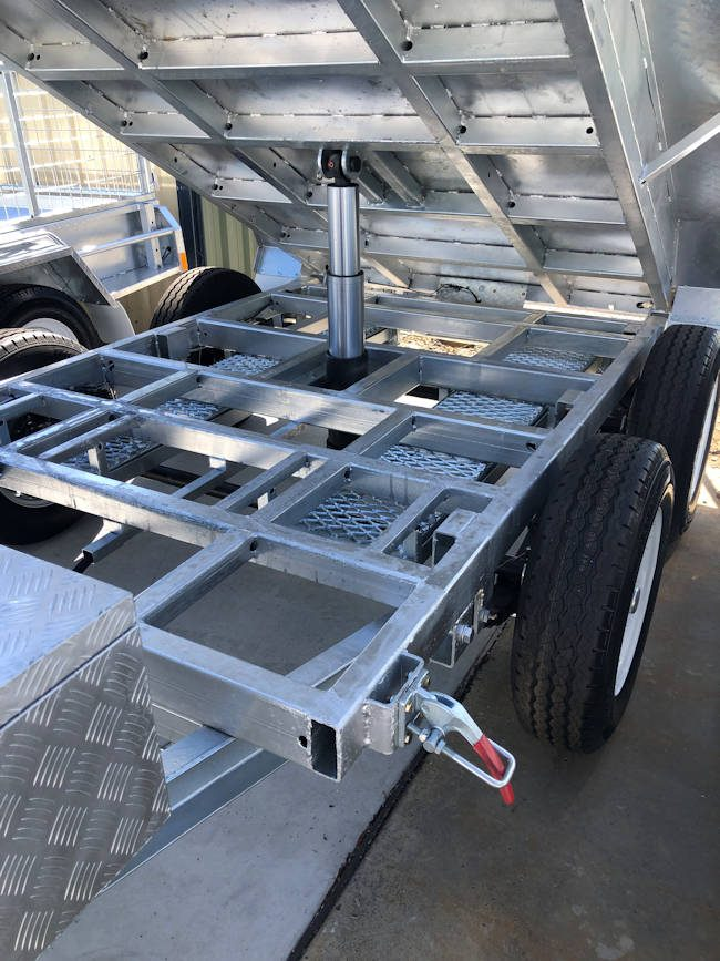 Hydraulic Tipping Trailer Mechanism from Midway Trailers, Macksville, NSW